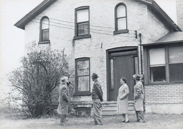 Zondervan Farmhouse